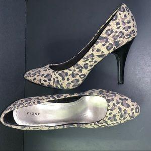 FIONI Cheetah Print High Heels Size 8.5